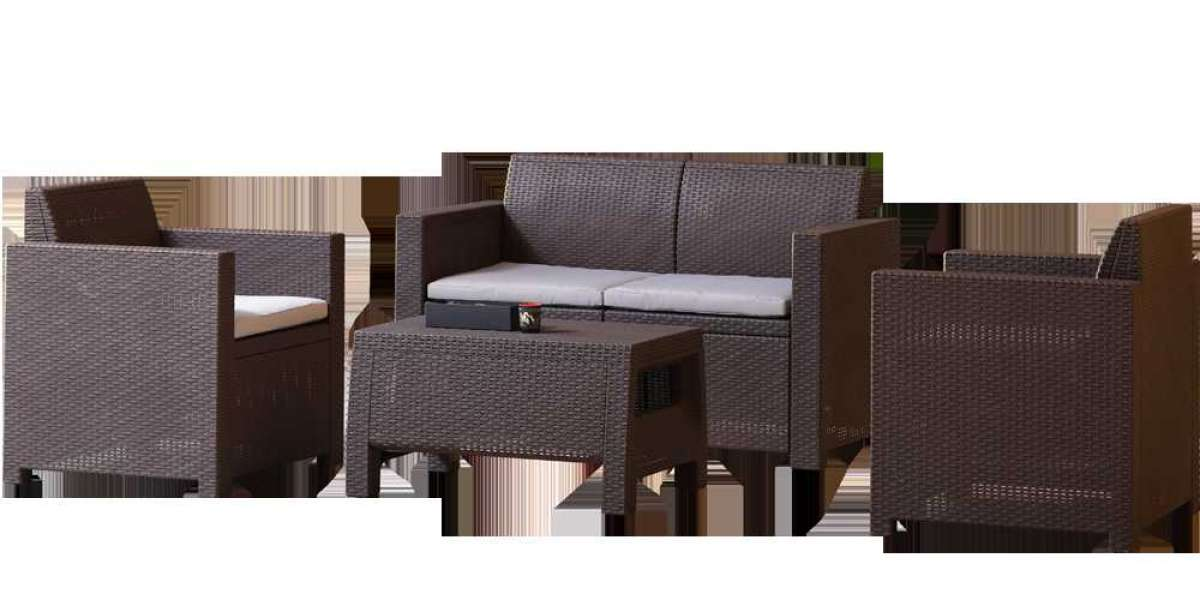What's the Difference Between Wicker and Rattan Furniture